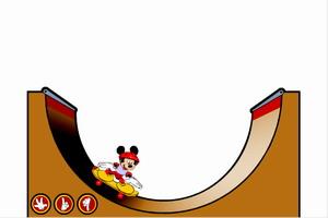 米奇玩滑板