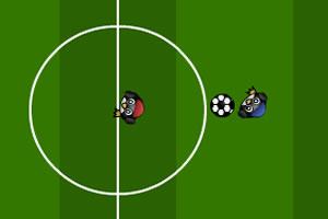 企鹅玩足球